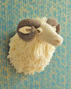 Animal Heads: Trophy Heads to Crochet: Amazon.co.uk: Vanessa Mooncie: 9781784940645: Books