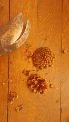 How to Turn an Old Wreath into A Fall Stunner