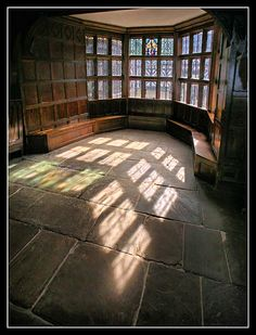 Great Hall: Little Moreton Hall, Cheshire, UK (photo by MikeJDavis, via Flickr)