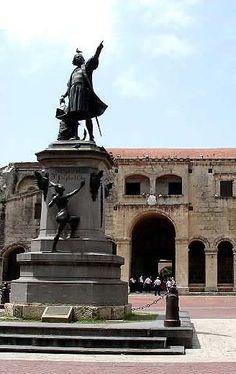 Santo Domingo Colon Park tours from Punta Cana