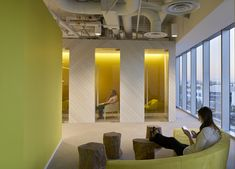 Neustar Office by STUDIOS Architecture - Office Snapshots