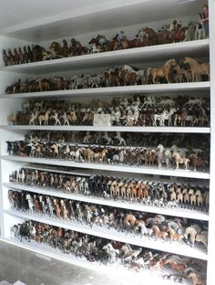 Hagen Renaker horse collection - Ed Alcorn. Filled with envy.