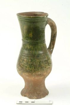 Museum of London, late 12th to mid 14th century baluster jug