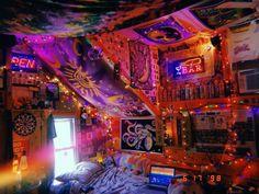 Hippie Bedroom Decor, Cute Bedroom Decor, Room Design Bedroom, Room Ideas Bedroom, Cool Room Decor, Dope Rooms, Punk Room, Grunge Bedroom, Hangout Room