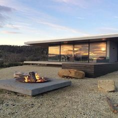 Modern house design and architecture: Contemporary house by Stuart Tanner . - Modern house design and architecture: Contemporary house by Stuart Tanner … - Architecture Design, Residential Architecture, Casas Containers, Design Exterior, Modern House Design, Loft Design, Future House, House Plans, Pergola