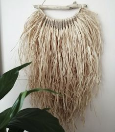 Raffia Crafts, Macrame Wall Hanging Diy, Boho Diy, Bohemian, Essential Oil Blends, Tulips, Thrifting, Diy And Crafts, Natural
