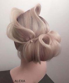 Fotogalerie svatebních účesů pro nevěsty. Svatební účesy pro blondýnky, tmavovlásky. Účesy polodlouhé vlasy, dlouhé vlasy, krátké vlasy, rozpuštěné vlasy. Garlic