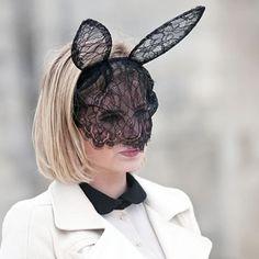 #stealthelook #look #looks #streetstyle #streetchic #moda #fashion #style #estilo #inspiration #colho #bunny #ears #orelha #pascoa #easter #acessorios