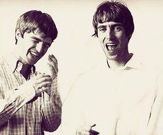Noel Gallagher and Liam Gallagher Noel Gallagher Young, Lennon Gallagher, Liam Gallagher Oasis, Oasis Music, Liam And Noel, Desert Oasis, Britpop, Best Rock, Celebrity Couples