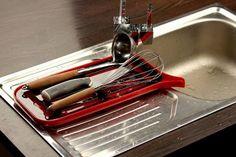 Лучшее от @razverni   Сушилка для посуды Флети  Благодаря системе отвода воды посуда в процессе сушки не образует луж под собой, а специальные крепления расположены таким образом, чтобы компактно разместить на сушилке как можно большее количество посуды. https://razverni.com/catalog/goods/sushilka-dlya-posudy-fleti/
