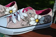 Pretty Hand Painted sneakers Air-walks With Daisies and swirls size womens 6 1/2