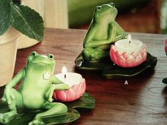 Love these cute Frog tea candle holders! They would go so good in my frog themed bathroom!