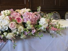 LauraColemanFlowers_Florist_AlderleyEdgeHotel_NetherAlderley_PalePinkFlowers_Candelabra_FloralArch_AprilWedding_Easter+%2827%29.JPG (1600×1200)