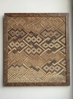 🚩 New Arrivals Day at HOWE 🚩 We've just added this week's latest antique finds to the website. Today's selection includes this early African Kuba or Shoowa cloth, the raffia palm fibres cut-pile embroidered to form a variation of ancient chevron, Democratic Republic of Congo, c.1920 ⠀ Collected by Matisse, Klimt and Klee, these Congolese cloths greatly influenced early C20th art.