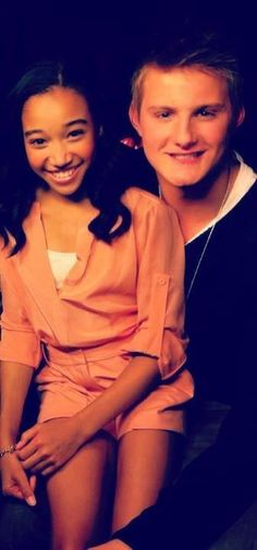Hunger Games behind the scenes Amandla Stenberg (Rue) and Alexander Ludwig (Cato)
