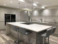 Kitchen Diner Lounge, Kitchen Diner Extension, Open Plan Kitchen Diner, Open Plan Kitchen Living Room, Kitchen Room Design, Kitchen Family Rooms, Modern Kitchen Design, Kitchen Interior, Kitchen Decor