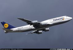 Boeing 747-830 aircraft picture