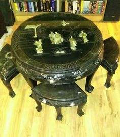 VINTAGE ORIENTAL JAPANESE MOTHER OF PEARL BLACK WOOD LACQUER TEA TABLE & 3 CHAIR