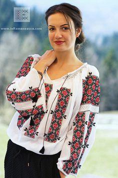 100% handmade embroidery - bohemian top - Romanian blouse - worldwide shipping!