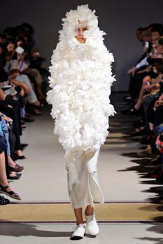 Comme des Garçons | Spring 2012 Ready-to-Wear Collection | Style.com
