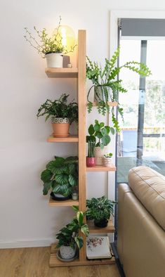 Wooden Plant Stands Indoor, Wood Plant Stand, Indoor Plant Shelves, Indoor Plant Wall, House Plants Decor, Plant Decor, Decoration Plante, Flower Stands, Diy Wood Projects