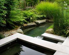 Garten Gestaltung asiatischer Stil Steinplatten hoch Gras