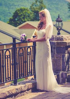 A vintage bride at the Inn at Erlowest in Lake George, NY