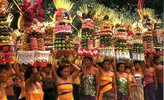 Gebogan parade