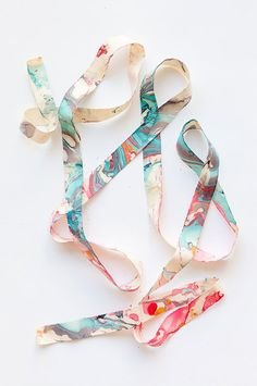 DIY Marbleized Ribbon