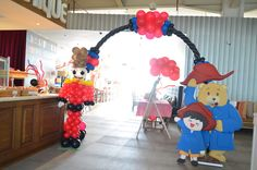 Balloon gate paddington bear with kenzo and british soldier