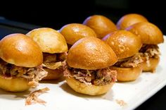 Trying to think of the next best thing to have on your wedding dinner menu? Here an inside scoop at what's in vs out and the top wedding food trends of Pulled Pork Sliders, Beef Sliders, Pit Beef, Smoked Pork, Food To Go, Sweet Sauce, Bbq Pork, Tasty Bites, Food Trends