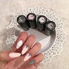 Dziewczyny, jakie jest Wasze ulubione połączenie kolorów na jesień? ☺️ @patrycjawrabel postawiła 001, 093, 105, 159  snapchat: semilac  #semilac #semigirls #semilacnails #semilacmystory #manicure #nails #pinknails #paznokciehybrydowe #lakieryhybrydowe #grey #hybrydy #nailart #nailsofinstagram #nailfie #nailstagram #snapchat