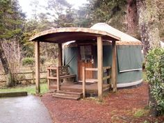 In the Chicago Tribune travel section today: Yurts Cozy Up Wild Oregon Coast S omewhere between a tent and a cabin, these yurts make par. Yurt Tent, Yurt Camping, Tents, Diy Camping, Camping Ideas, Campsite, Yurt Interior, Yurt Home, Yurt Living