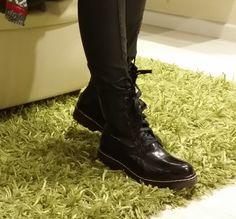 Botín cordones negro de Mustang ¡Moda! http://www.himayzapateria.es/botín-cordones-efecto-charol-mustang_p36665