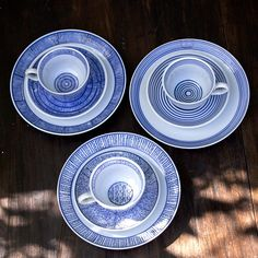 Feeling Tableware collection by Marie Michielssen Kitchenware, Tableware, Interior Design Advice, B & B, Natural Materials, Cosy, Beautiful Homes, Blue And White, Pottery