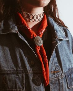 Even Annie Oakley would have challenged us to a duel for the Ziggy choker and Wrangler bandana ✨ #the2bandits