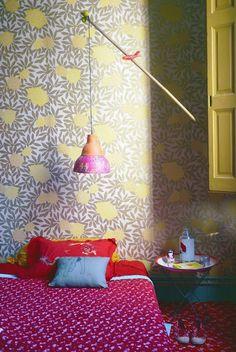 wallpaper in the bedroom