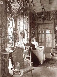 Beautiful sepai photo of a spectacular Victorian interior. - Beautiful sepai photo of a spectacular Victorian interior. La meilleure image selon vos envies sur d -
