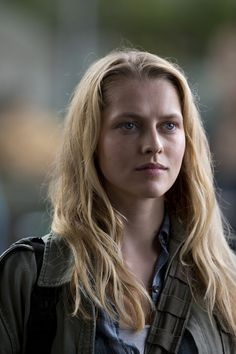 Teresa Palmer as Julie
