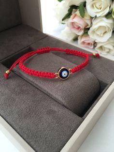 Red string evil eye bracelet - red string bracelet - blue evil eye jewelry - adjustable bracelet - r Diy Bracelets With String, Red String Bracelet, Cord Bracelets, Handmade Bracelets, Evil Eye Jewelry, Evil Eye Bracelet, Good Luck Bracelet, Evil Eye Charm, Bracelet Crafts