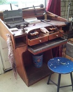 Old Jewelers Bench - This has some very cool features designed into it