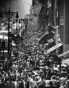 NYC.  Lunch Rush on Fifth Avenue, New York, 1950 (Still looks like this in 2013! Some things never change.)