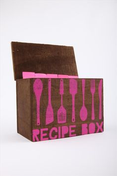 Organizing recipes. Wooden recipe box.