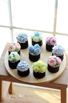 buttercream flower cupcakes -Jess Cake-