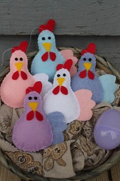 Items similar to Chicken ornaments-Felt chickens-Handmade christmas ornaments-set of colored chickens-country decor-gifts on Etsy Chicken ornaments-Felt chickens-Handmade christmas Felt Christmas Ornaments, Handmade Christmas, Christmas Crafts, Handmade Felt, Handmade Ornaments, Beaded Ornaments, Glass Ornaments, Chicken Pattern, Felt Crafts Patterns