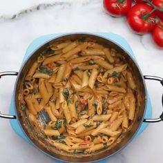 9,883 vind-ik-leuks, 378 reacties - Let's Cook Vegan™ Videos 🎥 (@letscookvegan.videos) op Instagram: 'Creamy Vegan One Pot Pasta 🍝🍃❤️ Tag someone to try this simple dish with! 🎥 @buzzfeedtastyveg…'