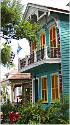 New Orleans Homes and Neighborhoods » New Orleans Historic Esplanade Avenue Homes, Colorful on Esplanade….Vivid and Playful !!!
