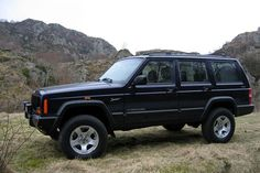 The Jeep Cherokee (KL) is a compact crossover SUV manufactured and marketed by the Jeep subdivision of Fiat Chrysler Automobiles. Jeep Xj, Jeep Cars, Jeep Truck, Jeep Wrangler, 2005 Jeep Cherokee, Jeep Cherokee Limited, Cherokee Chief, Red Jeep, Black Jeep