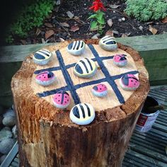 how to use logs as outdoor seating - Google Search Easy Diy Crafts, Crafts To Make, Crafts For Kids, Stepping Stones Kids, Tree Seat, Outdoor Seating, Outdoor Decor, Types Of Craft, 5 Minute Crafts