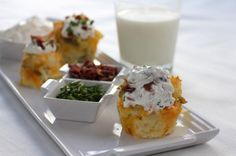 Baked Potato Cupcakes Transform your spuds by using muffin tins for these baked potato cupcakes. 5 large russet potatoes (skins on, cut into Muffin Pan Recipes, Cupcake Recipes, Side Dish Recipes, Baking Recipes, Side Dishes, Healthy Recipes, Jar Recipes, Bariatric Recipes, Protein Recipes